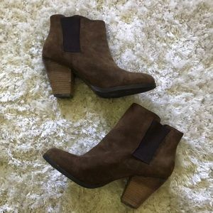 Vince Camuto Booties size 9